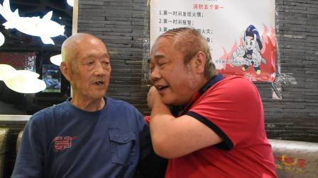 安宁走基层:二哥回忆跟着舅舅在老家读书的事情,痴呆的父亲记起了当老师的事情.mpg