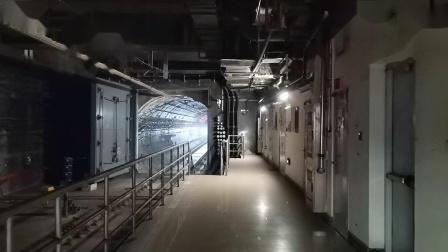 20210101 184419 西安地铁4号线开往北客站(北广场)方向的列车进五路口站