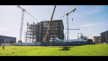 阿维亚解决方案集团打造全球第一个有完整飞机在室内的办公室建筑