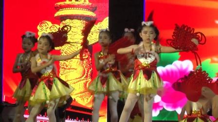舞蹈《红红的中国结》