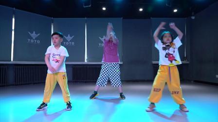 乌鲁木齐TOTO街舞陶子 老师少儿街舞初级班《X》