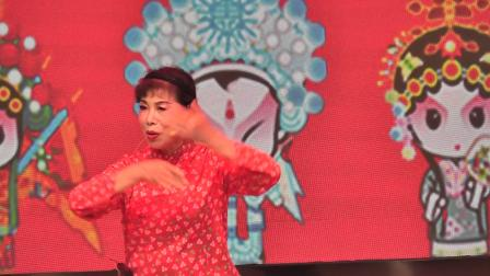 张云芬在一小演唱《红灯记、爹爹给我无价宝》2021,6,9