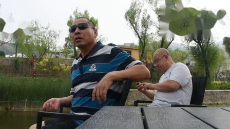 安宁走基层:妹妹从新疆回来带他们到庆都山转转.mpg