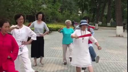 """庆祝中国共产党100周年""""弘文园""""成立一周年"""
