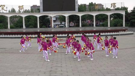 运城市老年人庆祝建党100周年体育节目线上展演  花棍操舞:花飞花舞颂党恩