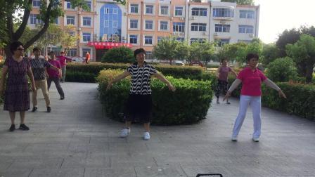 广场舞兰花花(济宁市农业大学院内)