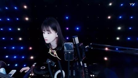 靓女DJ小鱼儿2021中英文现场美女打碟(1)
