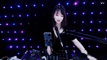 靓女DJ小鱼儿2021中英文现场美女打碟(2)