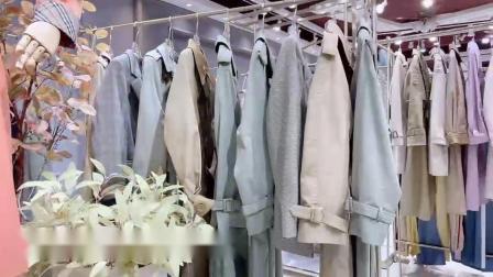 高端定制风衣货源批发,衣香丽影女装小渔仔短袖货源,库存女装