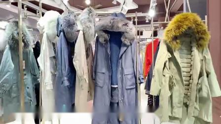 摩蒂蔻皮草派克服冬一手货源批发,高尔派女装寸衫货源,抖音视频看货