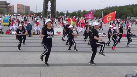 调兵山市舞动人生曳舞俱乐部:老七连(王姐·敏敏)