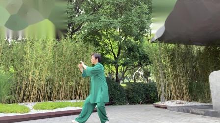 赵晓霞习练杨式85太极拳第二段2021年7月4日