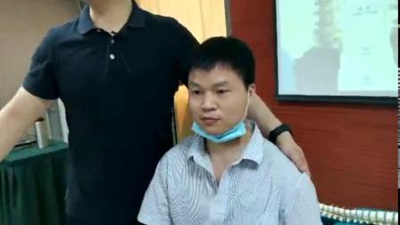 彭磊老师正骨整脊治疗手臂不能平举