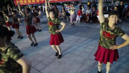 桐城市政务中心和谐健身队(潇洒走一回)