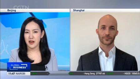 Simon Lance, Managing Director of Hays Greater China on live stream with CGTN