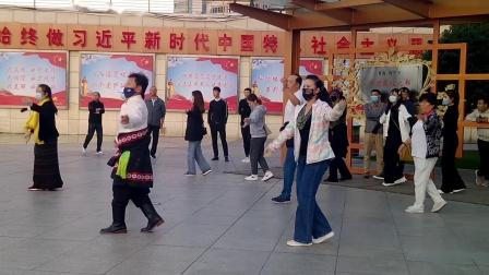 西宁中心广场藏族锅庄视频439
