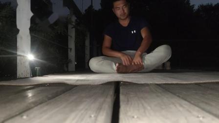 山顶瑜伽, 夜色撩人