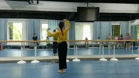李梦竹舞蹈《以后的以后》背面示范