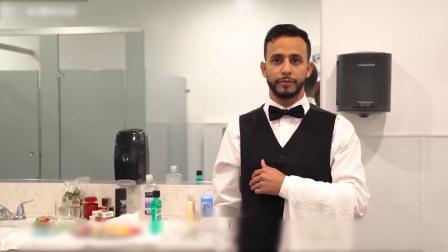 小伙厕所当起服务员,帮人擦皮鞋按摩送纸巾,轻轻松松月入十万