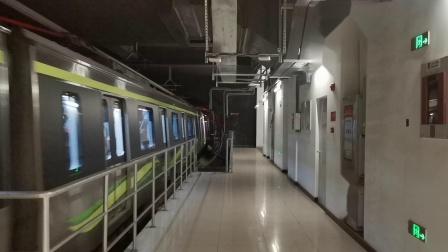 20210906 185541 西安地铁5号线开往阿房宫南方向的列车进丰庆公园站