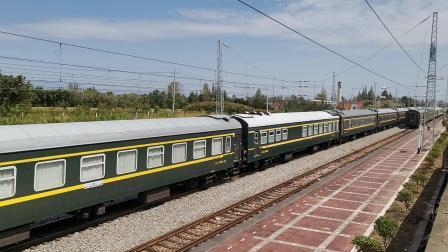 20210912 122150 阳安铁路客车K8223次列车通过王家坎站