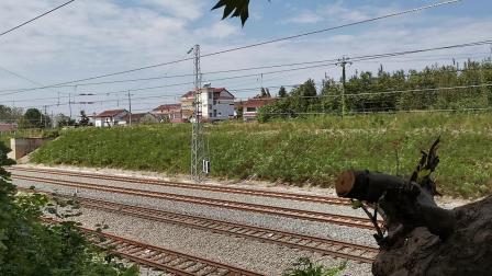 20210912 123718 阳安铁路客车K262次列车通过王家坎站