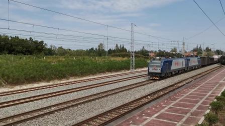 20210912 132805 阳安铁路HXD2货列通过王家坎站,中间挂保温车