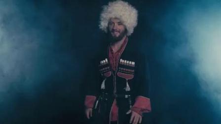 """哥萨克练习马刀和大树。俄罗斯民间舞蹈 。 """"·科戈罗德·""""学派 。"""