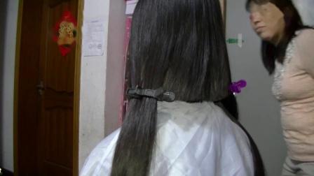女生宿舍剪头发1