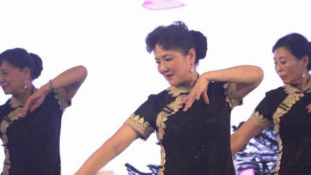4.云水谣时装队的《东方旗袍》
