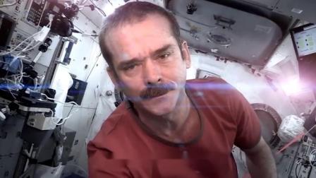 前苏联宇航员会带枪,神舟12号航天员,带了什么上太空?