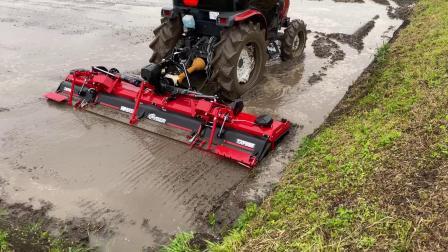 现代农业 农业拖拉机