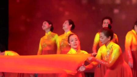 舞蹈:党旗颂