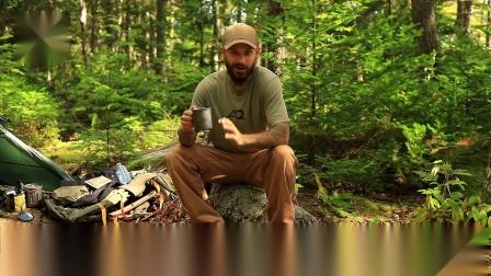 带上帐篷去露营 野外生存体验 远足旅行