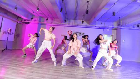城市舞集   爵士舞《pingpong》指导老师:亚男