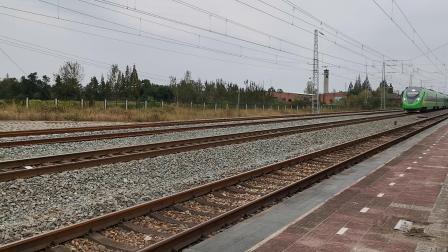 20211002 135516 阳安铁路D5083次列车低速通过王家坎站