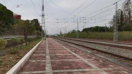 20211002 142305 阳安铁路D5086次列车通过王家坎站