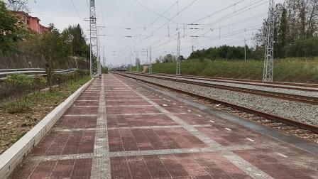 20211002 142958 阳安铁路客车K8222次列车通过王家坎站