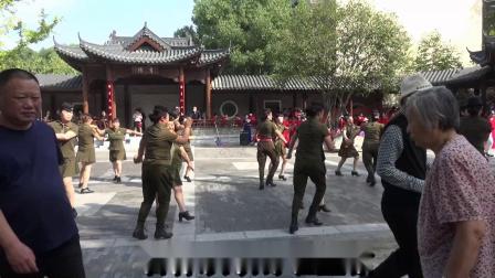 广场舞《吉祥欢歌》表演:南阳市卧龙模特舞蹈队 视频摄制熊中志