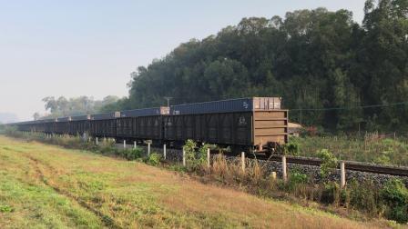 货列 43237次 DF4B7646 通过广茂线K42KM莲塘村旁