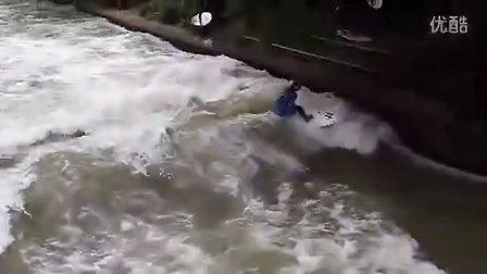 Simon Strangfeld慕尼黑内河冲浪