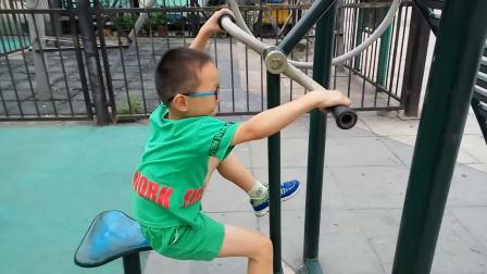 宝宝爱锻炼
