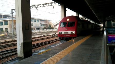 SS90146 00131次(回送CR200J0015)郑州站13道停车