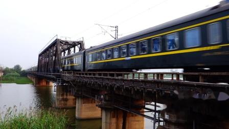 【京沪铁路蚌埠段拍车】2020.6.30. HXD3D0543. T112次通过浍河桥