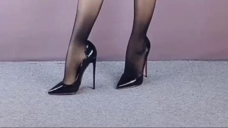 日常穿搭,狼性高跟鞋