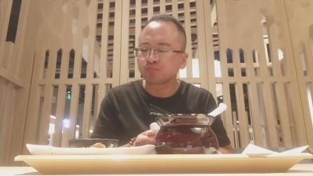 品尝 香港鼓油鸡腿饭 肉嫩香 配料酱汁美味 泡菜酸辣 汤好喝 吃的蛮舒服的 哈哈!