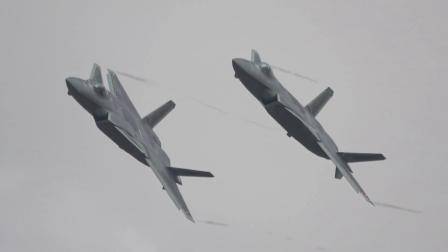 2018珠海航展J-20战机飞行表演