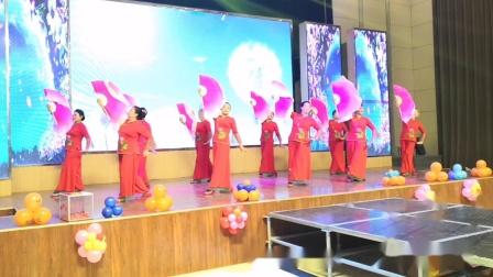 舞蹈《荞麦花》:滦水韵艺术团表演