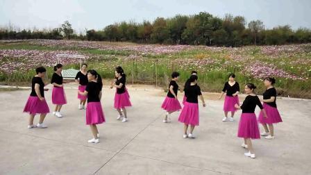 小英子广场舞《大姑娘美》
