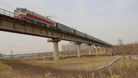 20210116_145258 西康铁路 西局西段SS7C-0133牵引K8177次(西安-安康)通过灞桥湿地公园